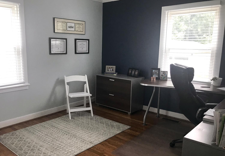speech therapist office